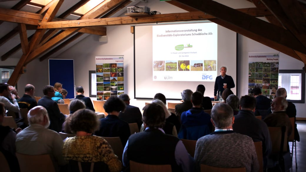 Photo shows stage and audience at the fifth Albsymposion with the topic Biodiversity in the Cultural Landscape